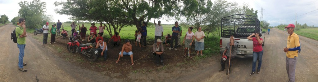 community meeting in el jicarito